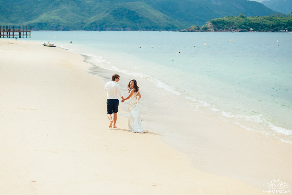 Afterwedding photography honeymoon Vietnam