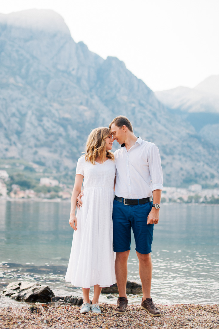 engagement-photographer-montenegro-kotor-italy-lake-como-lugano19